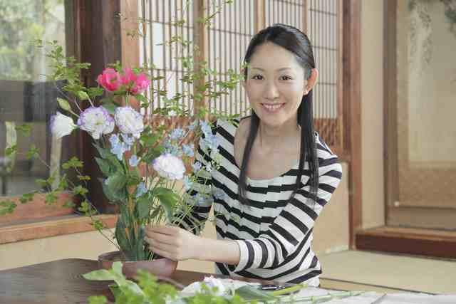 盆栽鉢の作り方と松の盆栽の剪定方法